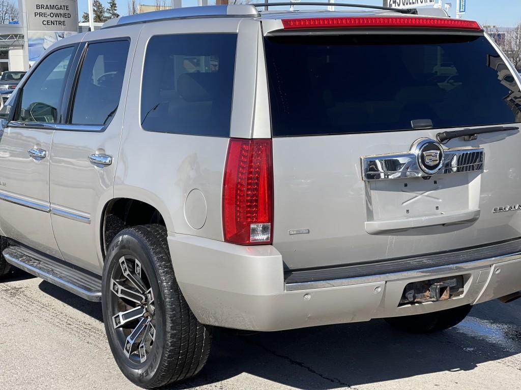 2009-Cadillac-Escalade