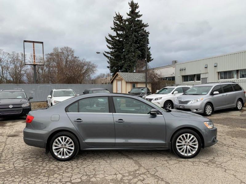 2012-Volkswagen-Jetta