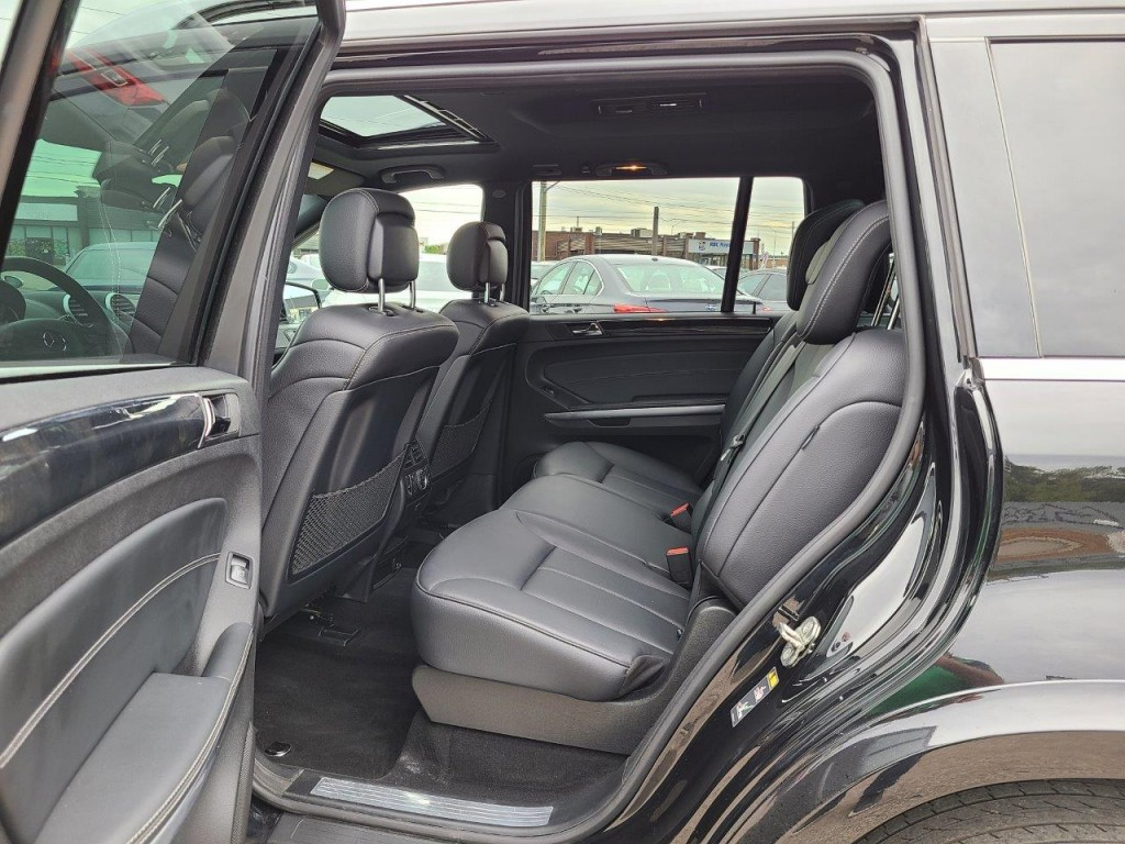 2012-Mercedes-Benz-GL-Class