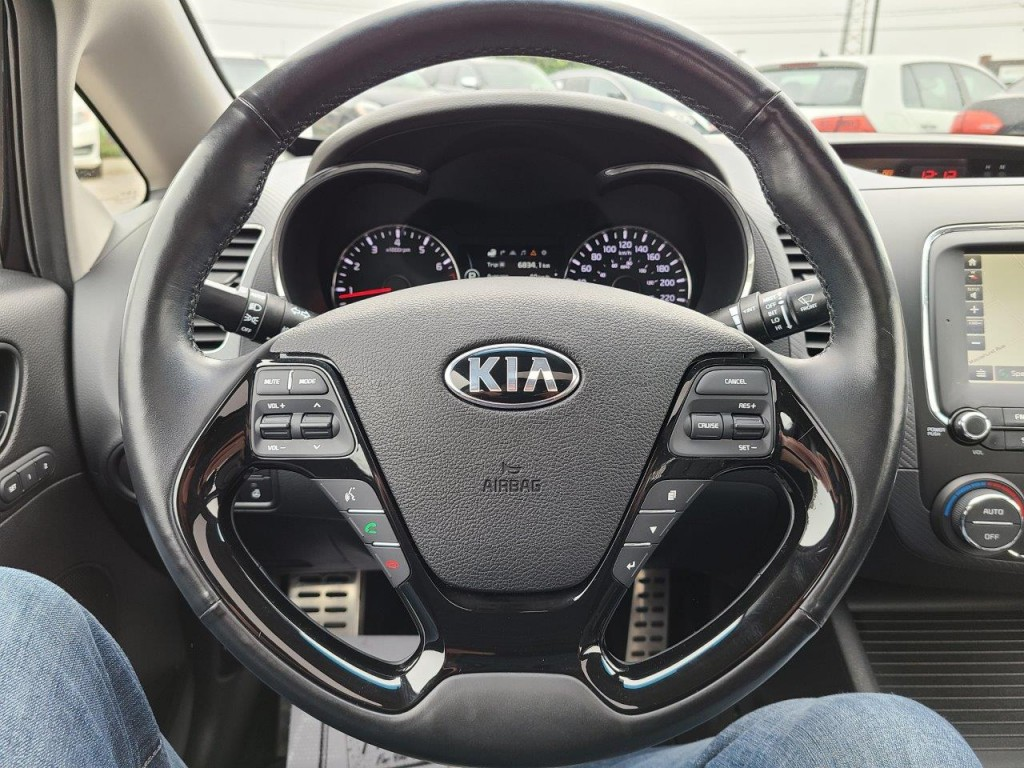 2017-Kia-Forte
