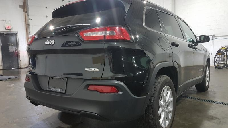 2015-Jeep-Cherokee