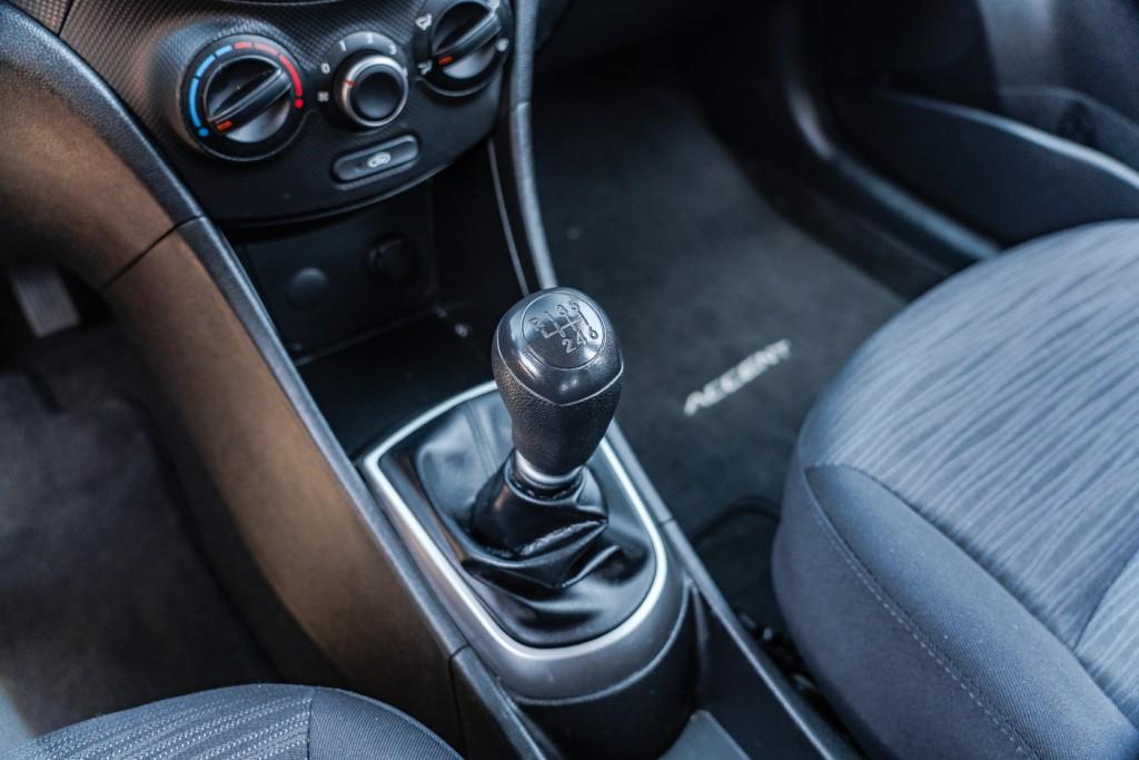 2016-Hyundai-Accent