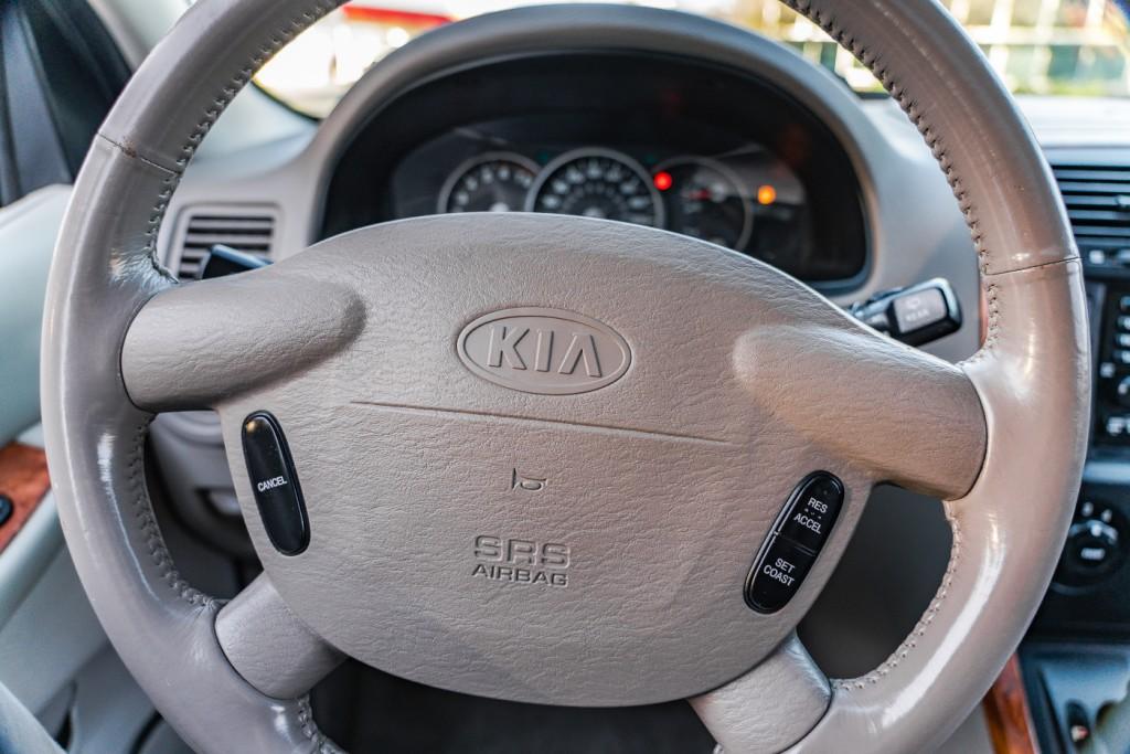 2004-Kia-Sedona