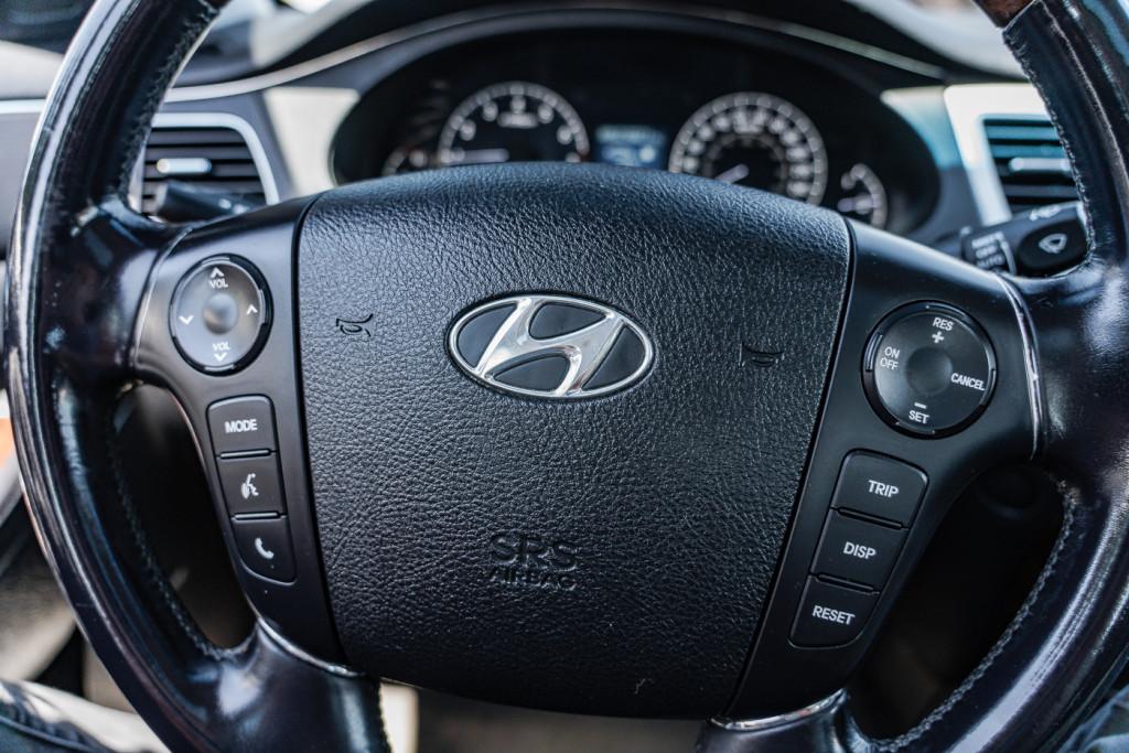 2009-Hyundai-Genesis