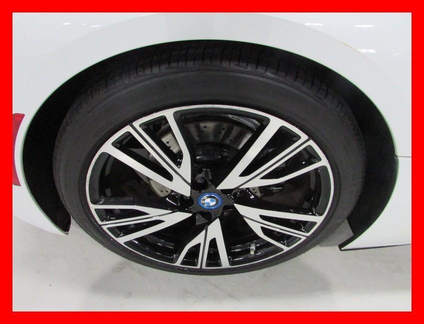 2016-BMW-i8