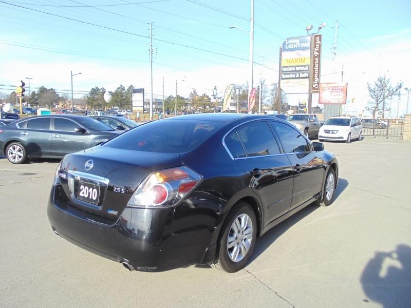 2010-Nissan-Altima
