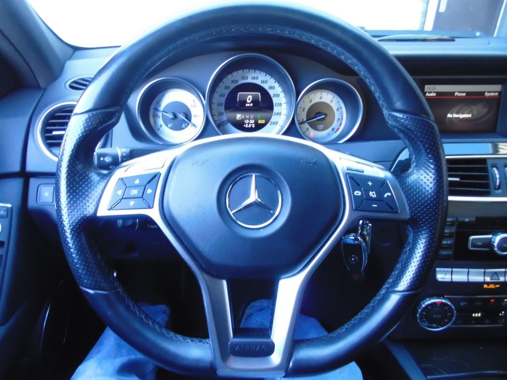 2014-Mercedes-Benz-C300