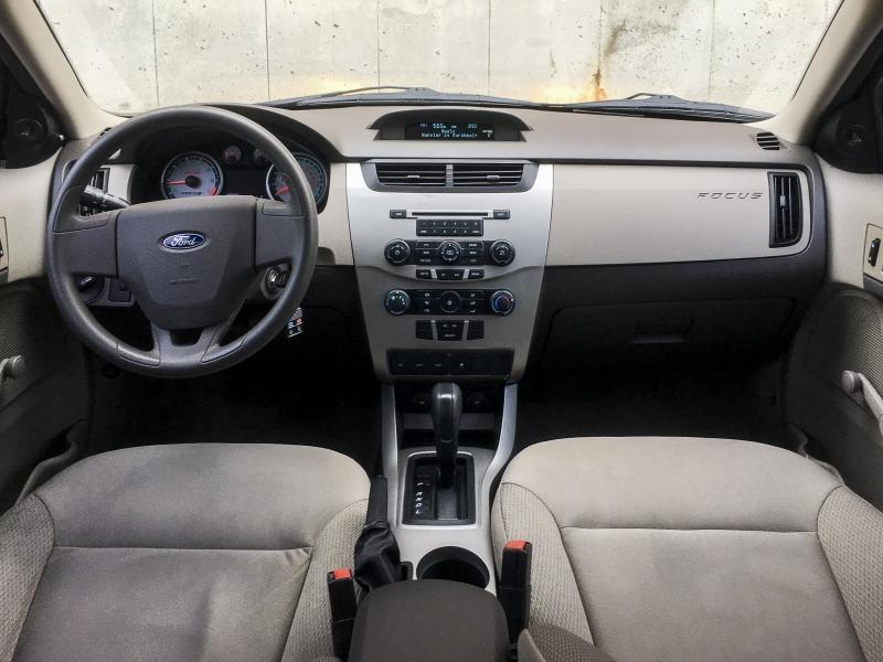 2011-Ford-Focus