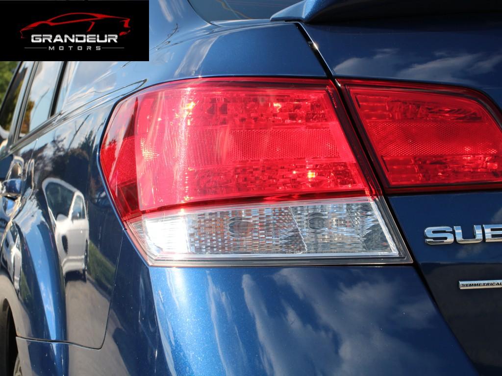 2010-Subaru-Legacy