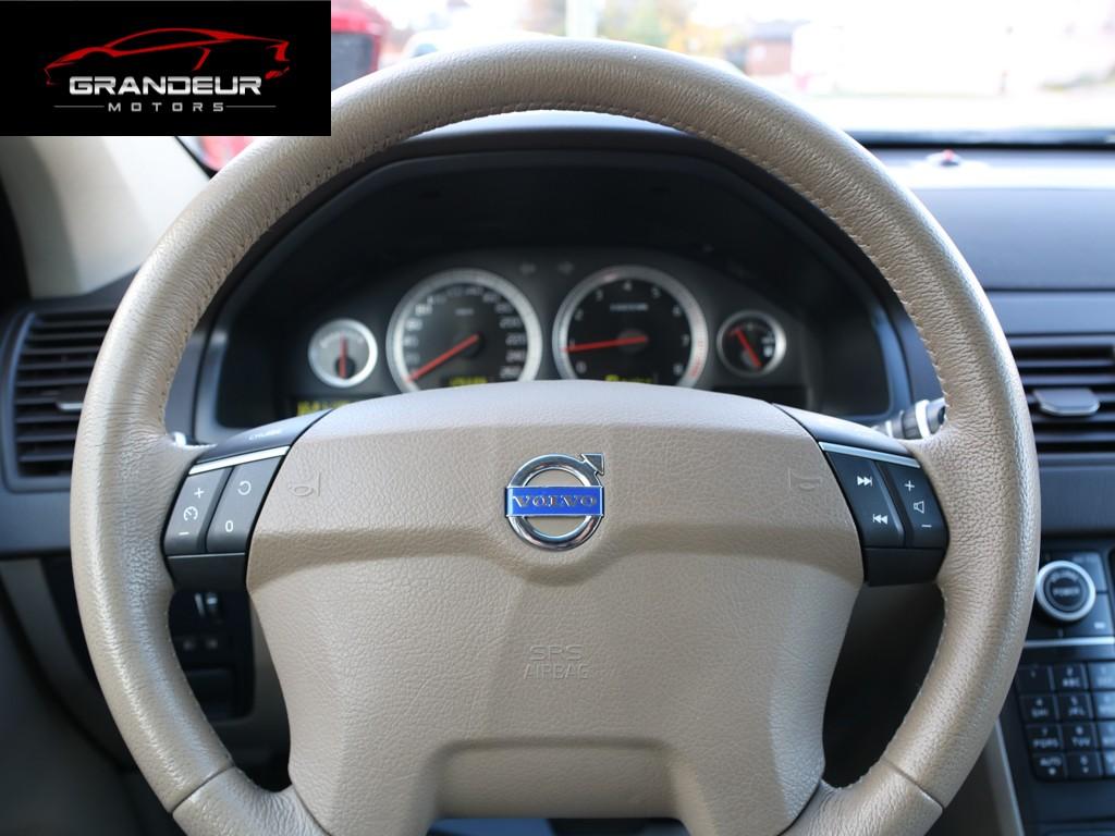 2011-Volvo-XC90