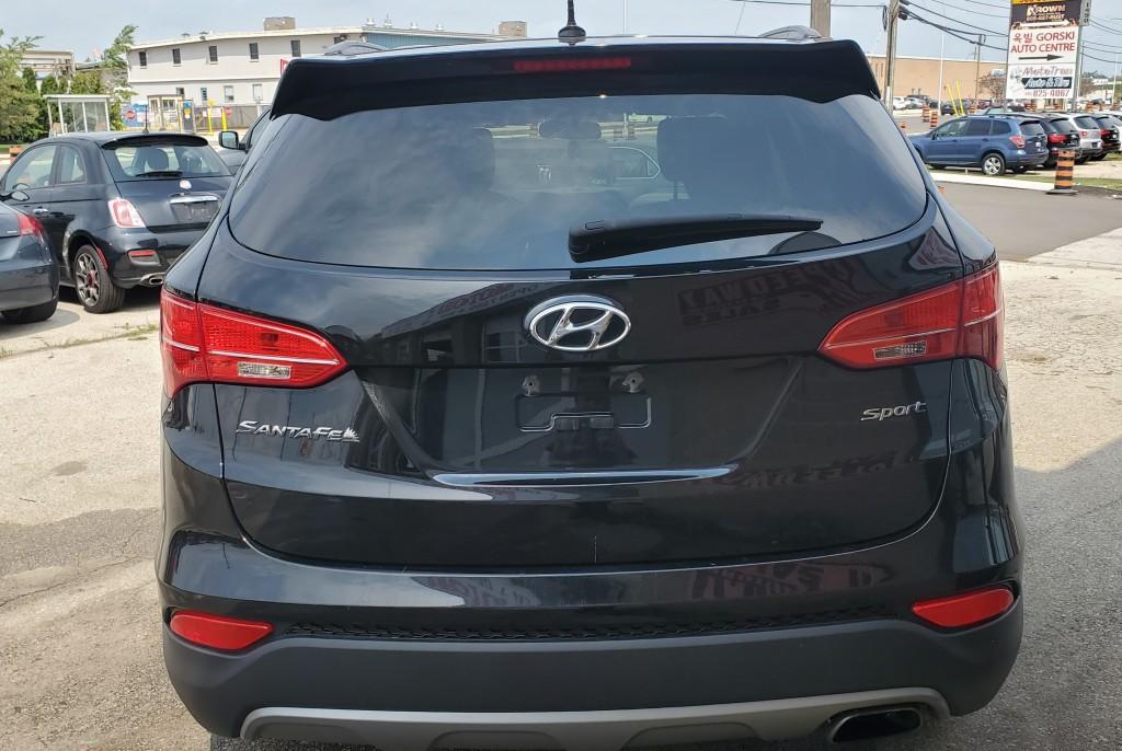 2015-Hyundai-Santa Fe Sport