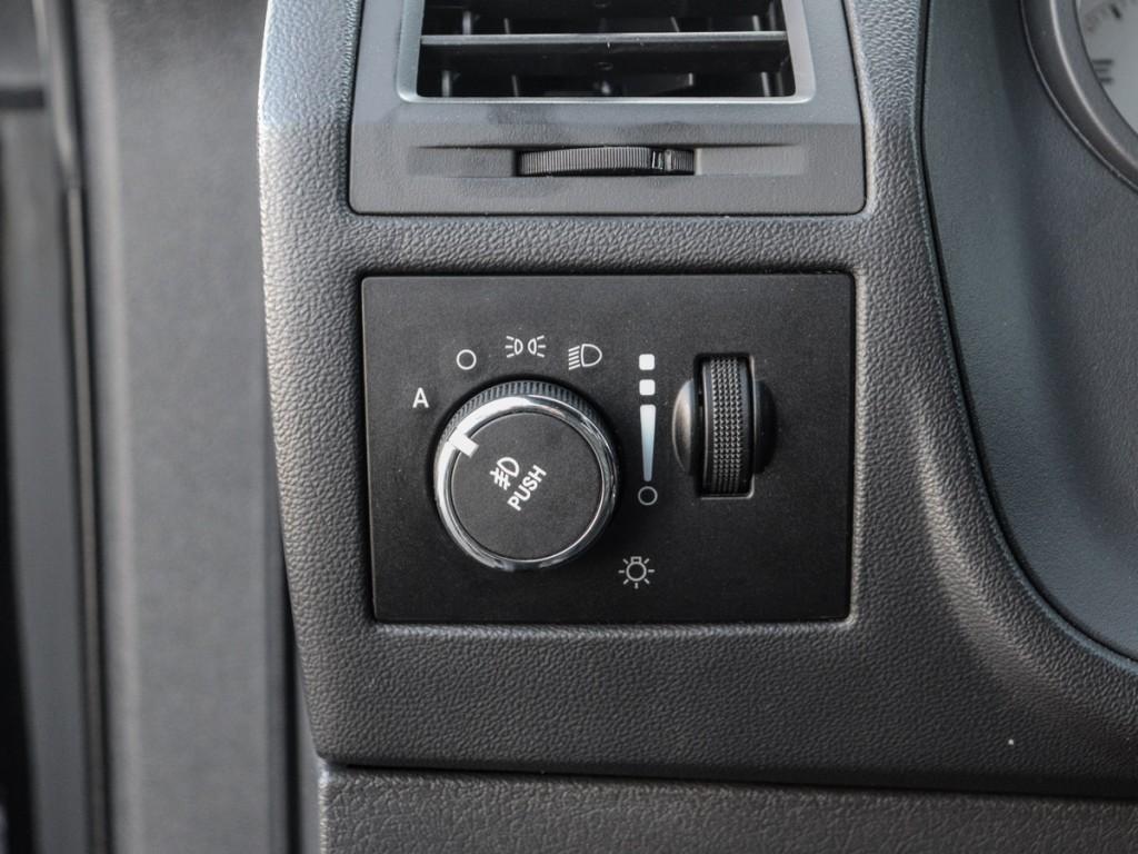 2012-Dodge-Challenger