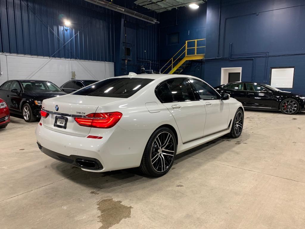 2017-BMW-7 Series