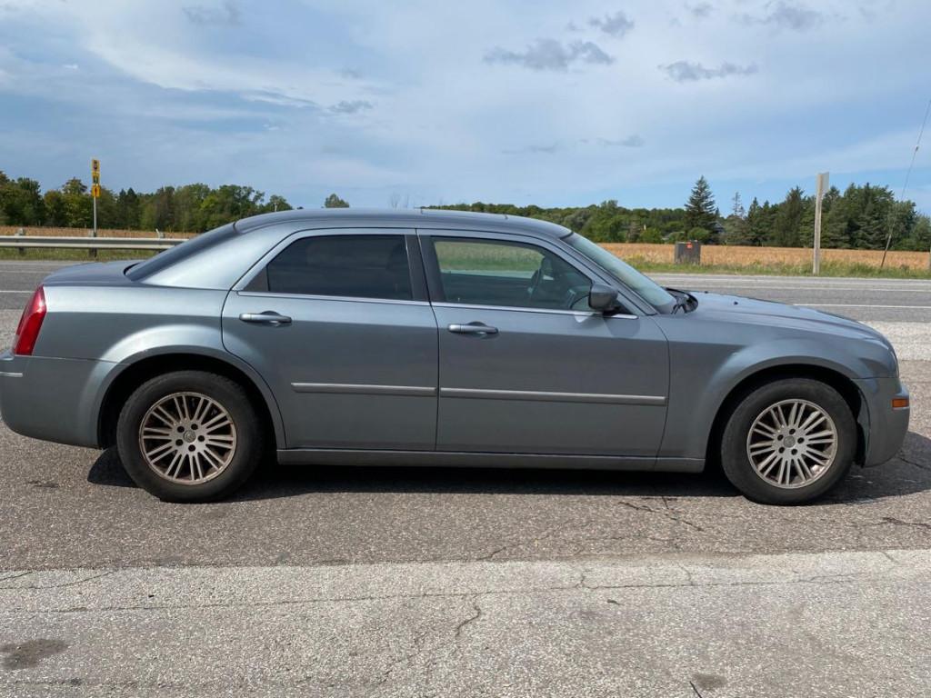 2006-Chrysler-300