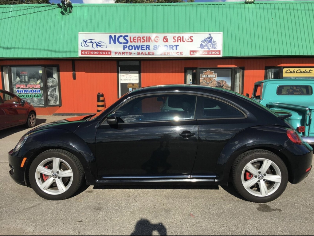 2012-Volkswagen-Beetle