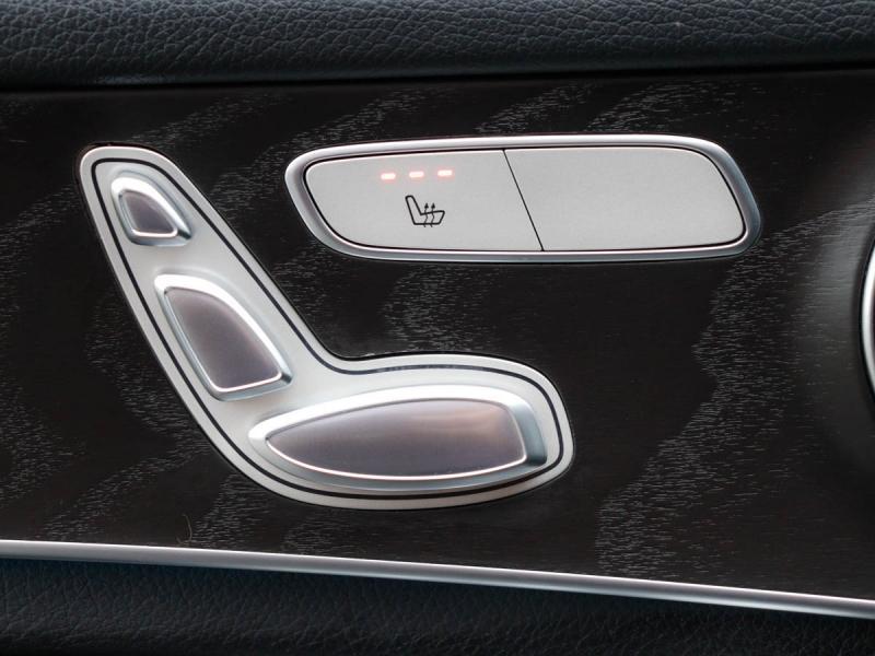 2016-Mercedes-Benz-GLC300