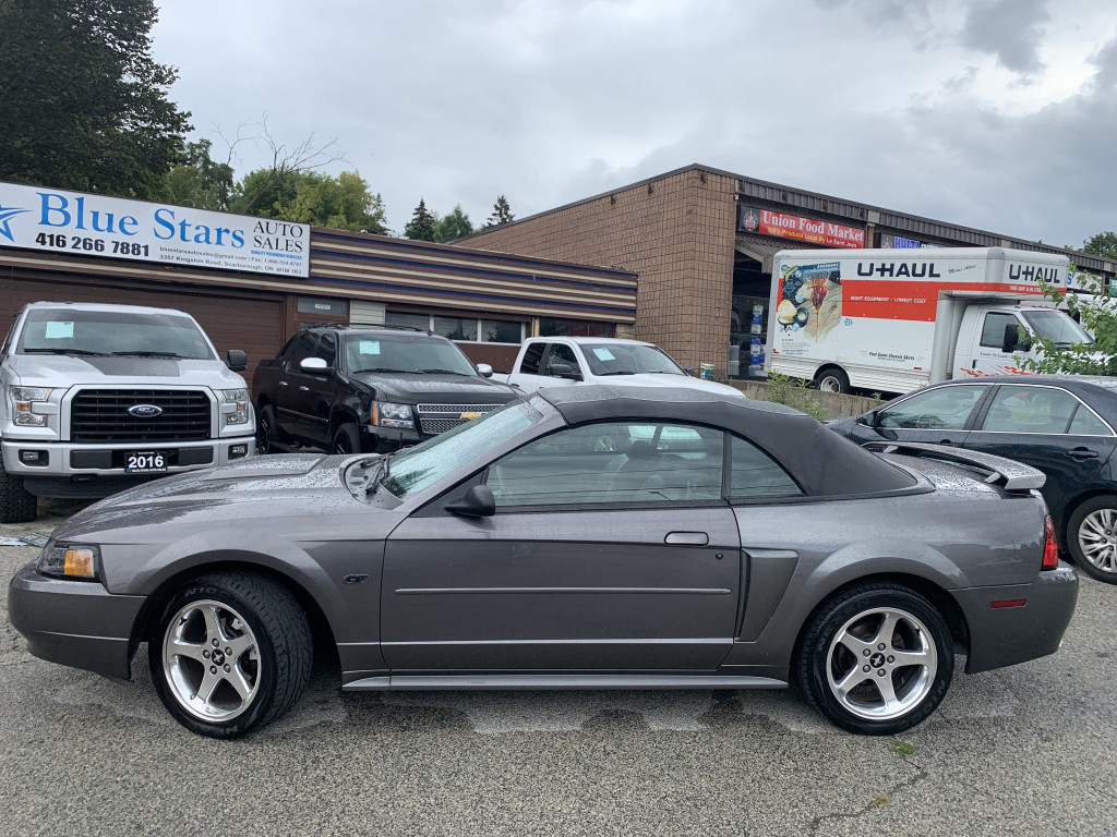 2003-Ford-Mustang