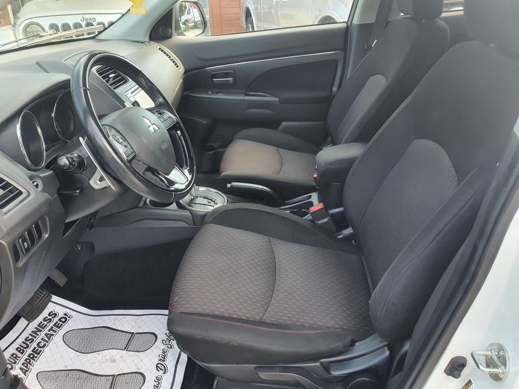 2017-Mitsubishi-RVR