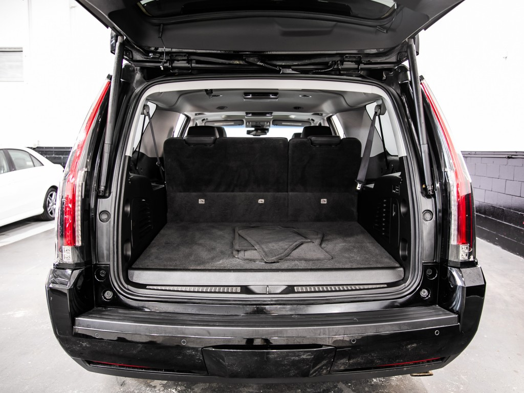2015-Cadillac-Escalade ESV