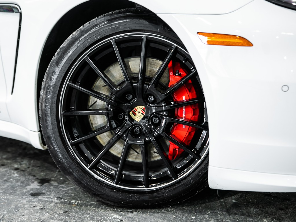2016-Porsche-Panamera