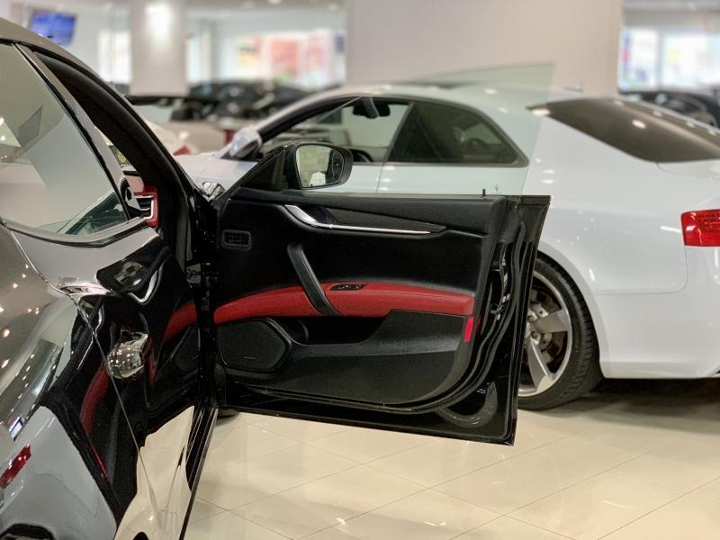 2017-Maserati-Ghibli