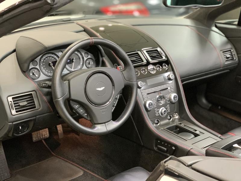 2015-Aston Martin-V8 Vantage