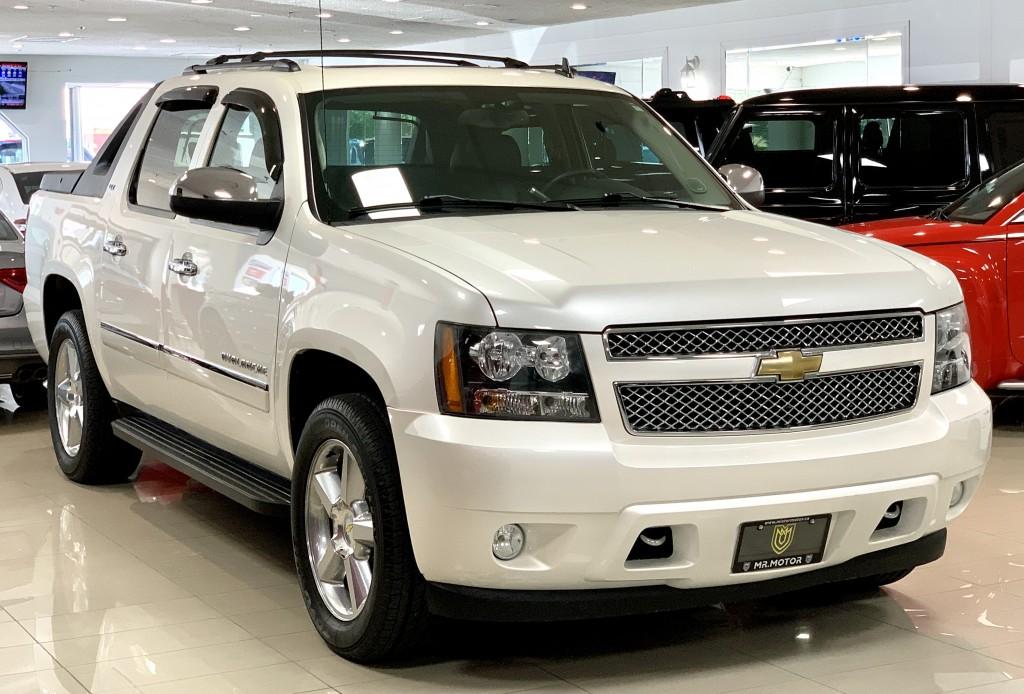 2011-Chevrolet-Avalanche