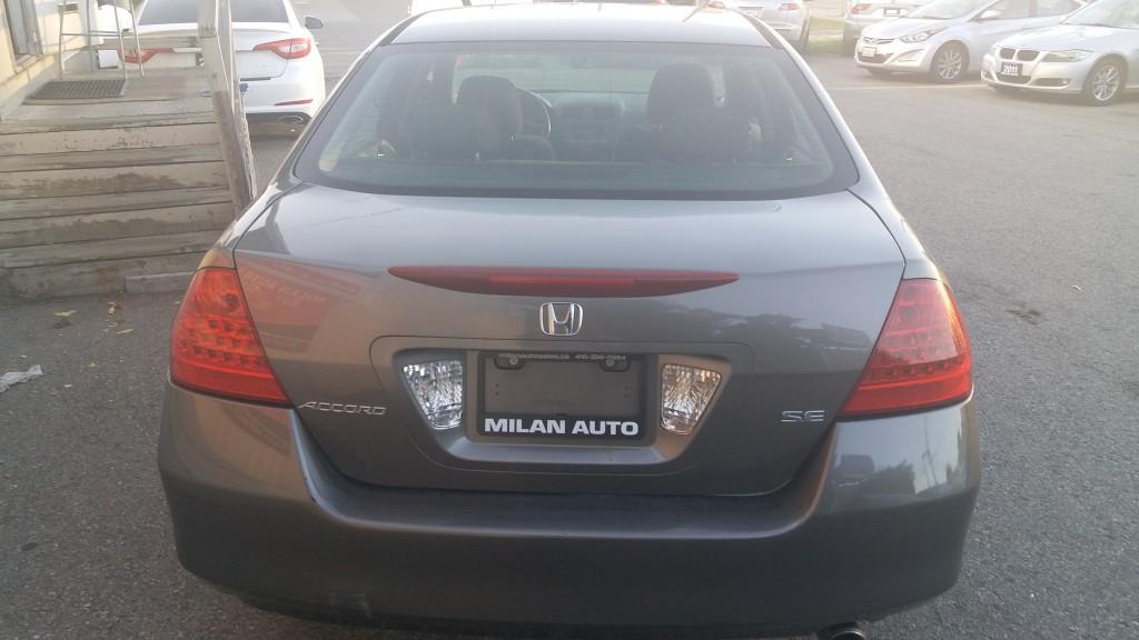 2006-Honda-Accord