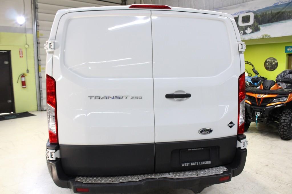 2015-Ford-Transit
