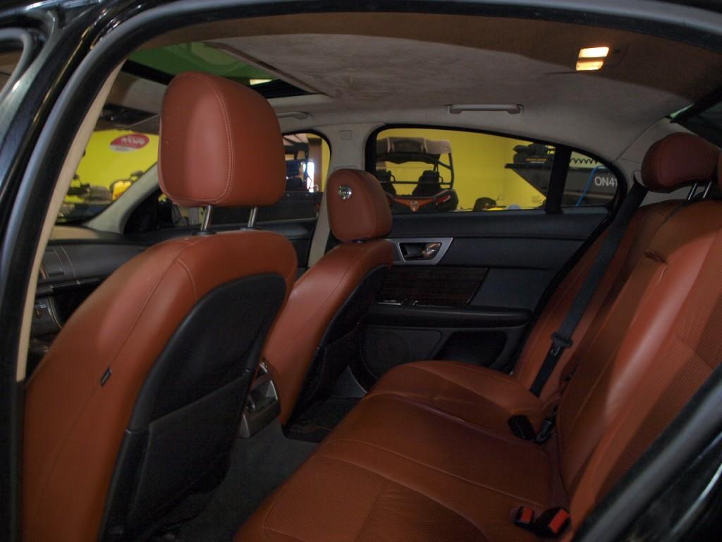 2011-Jaguar-XF