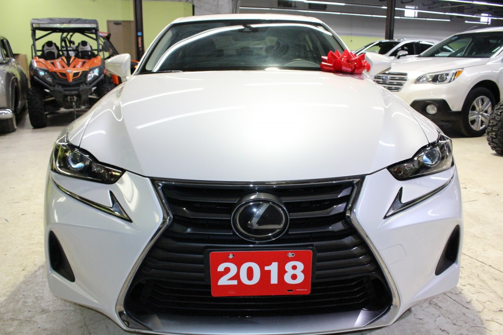 2018-Lexus-IS