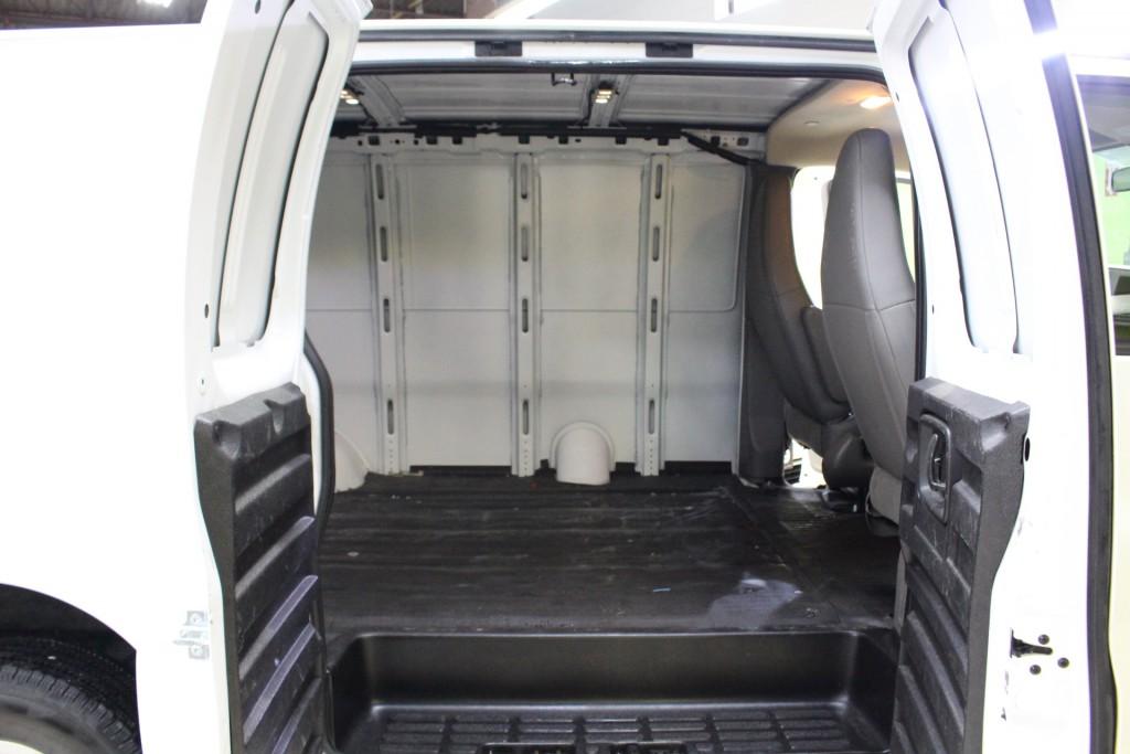 2018-GMC-Savana Cargo Van