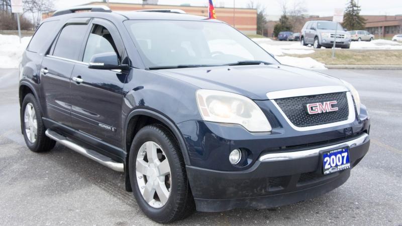 2007-GMC-Acadia
