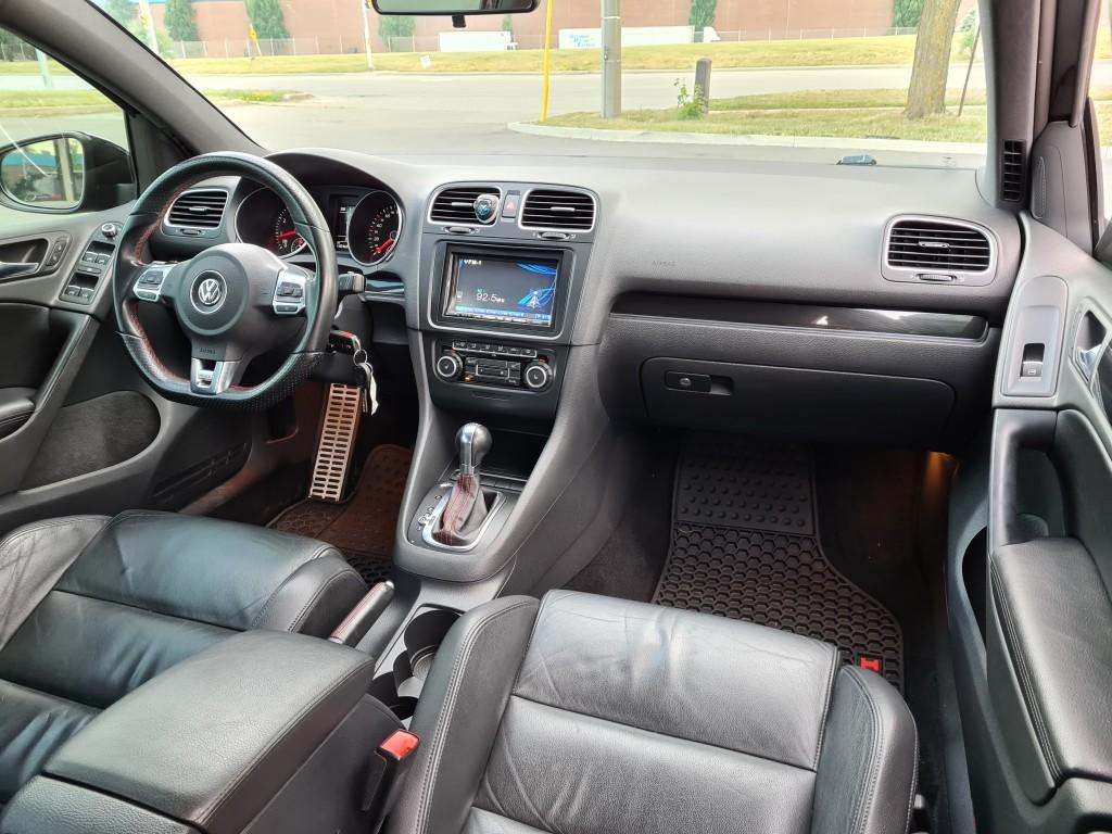 2010-Volkswagen-Golf GTI