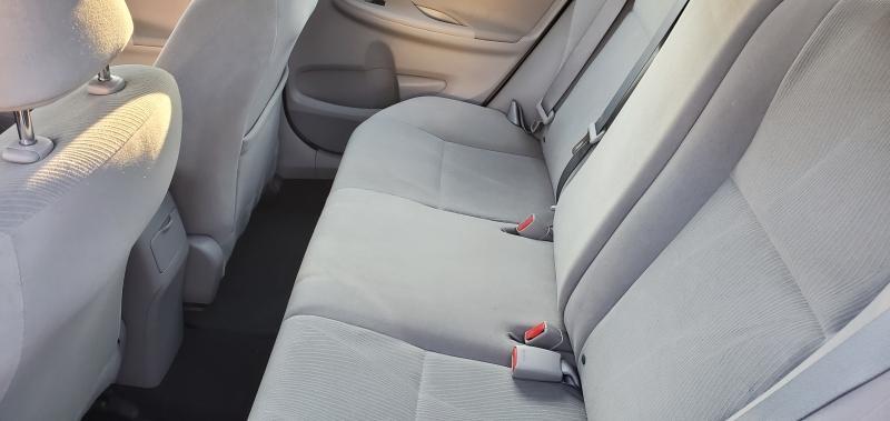 2013-Toyota-Corolla