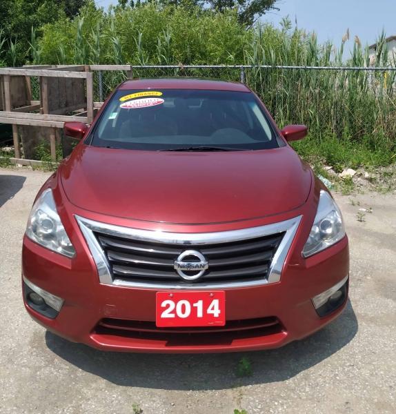 2014-Nissan-Altima