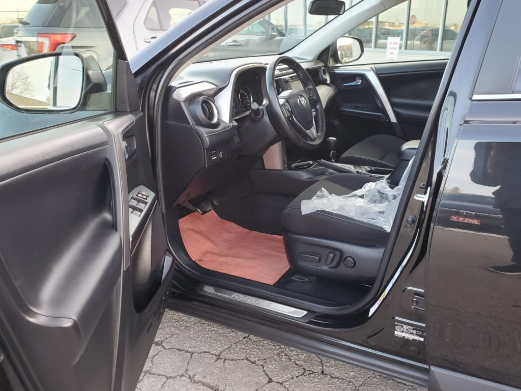 2016-Toyota-RAV4 Hybrid