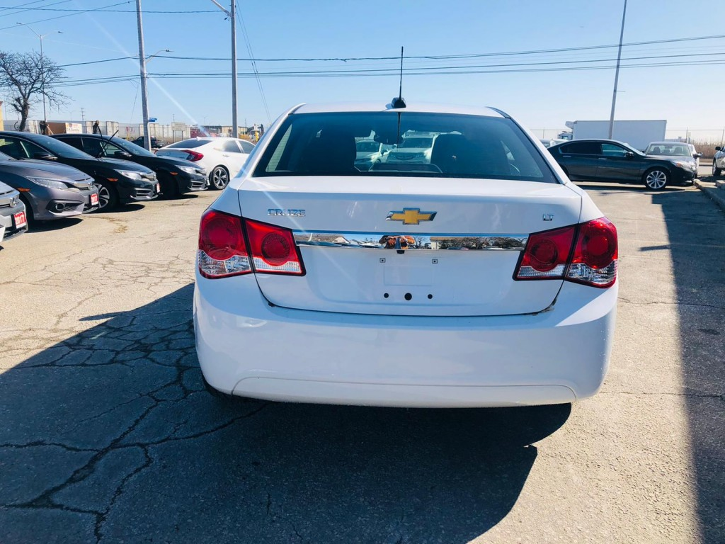 2016-Chevrolet-Cruze Limited