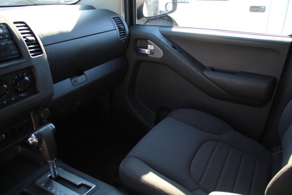 2012-Nissan-Frontier
