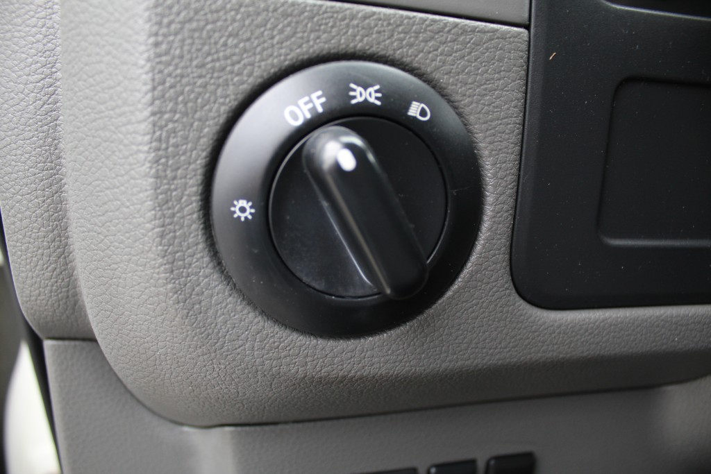 2012-Nissan-NV2500