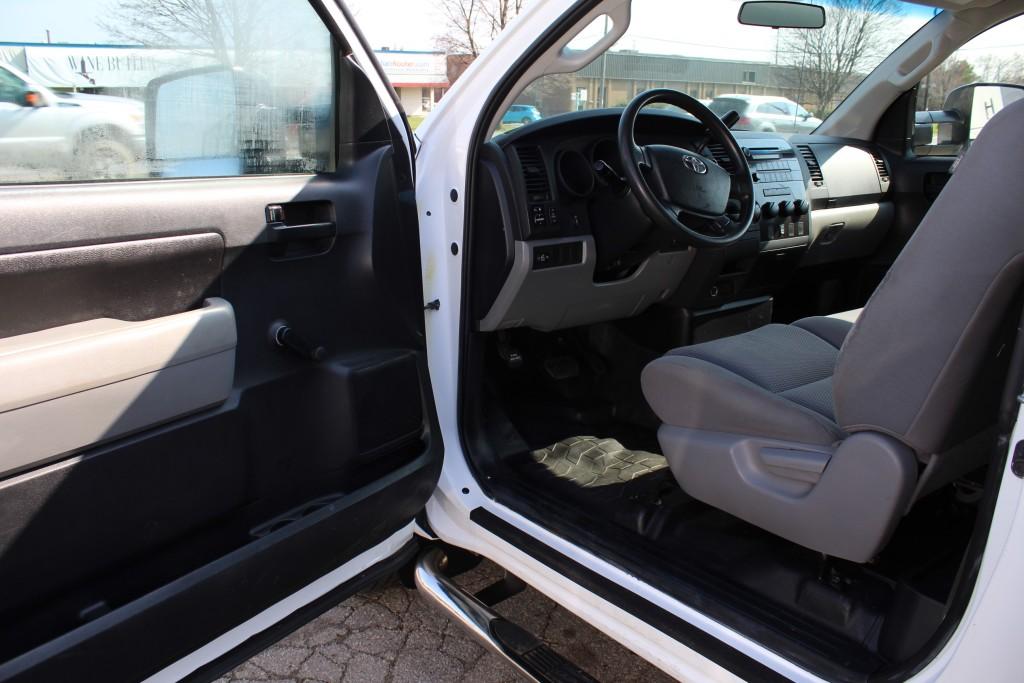 2010-Toyota-Tundra