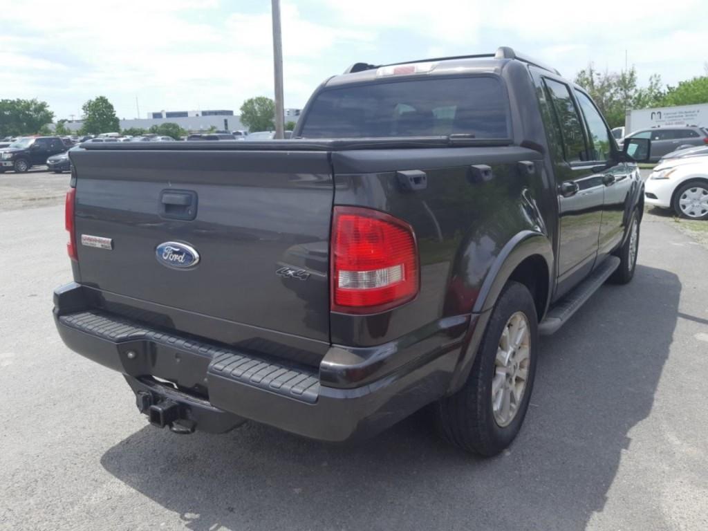 2007-Ford-Explorer Sport Trac