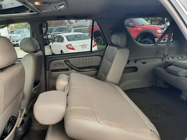 2003-Toyota-Sequoia