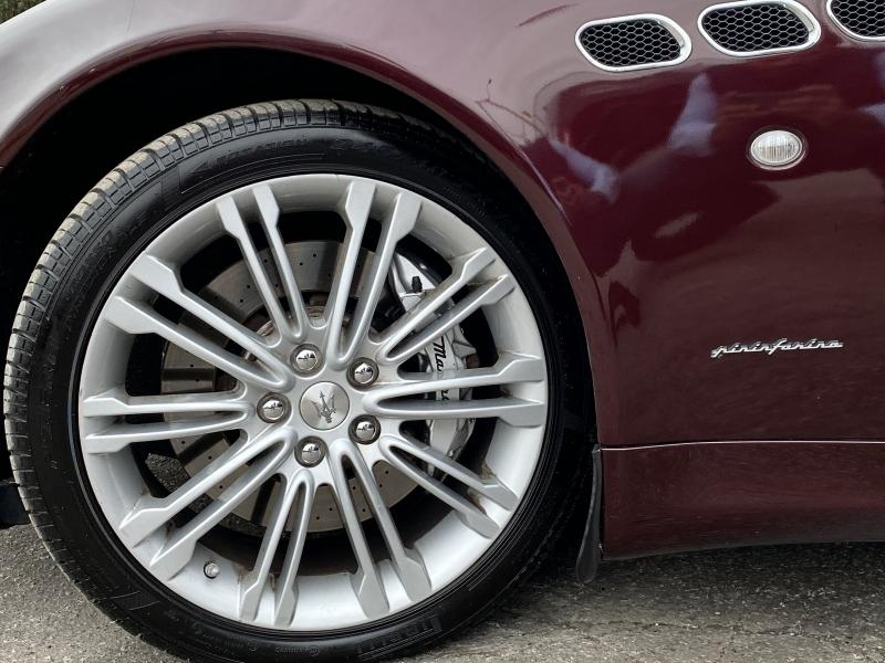 2011-Maserati-Quattroporte