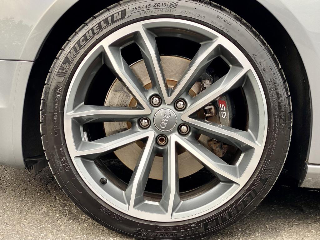 2009-Audi-S5