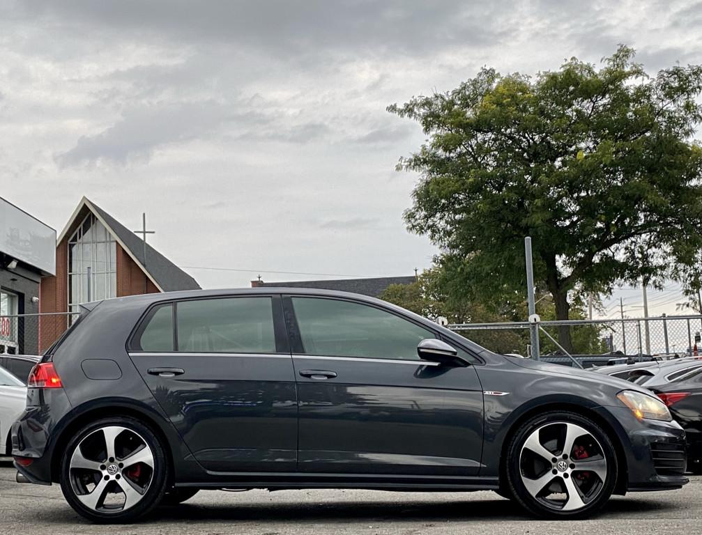 2015-Volkswagen-Golf GTI