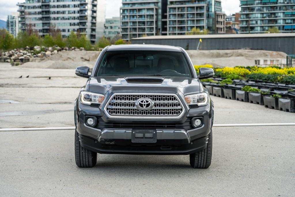 2017-Toyota-Tacoma