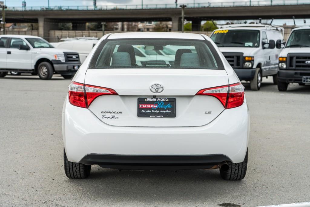 2015-Toyota-Corolla
