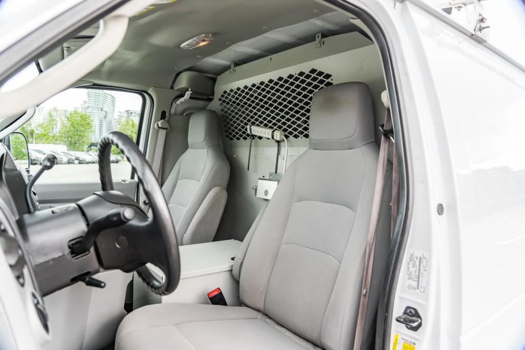 2013-Ford-Econoline Cargo Van