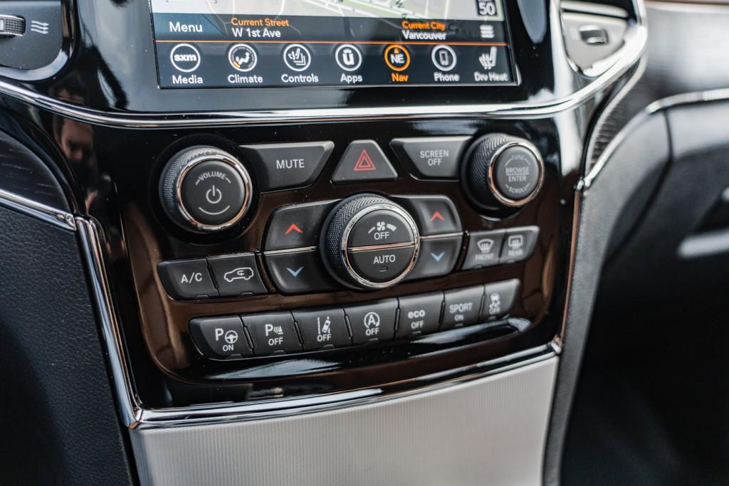 2020-Jeep-Grand Cherokee